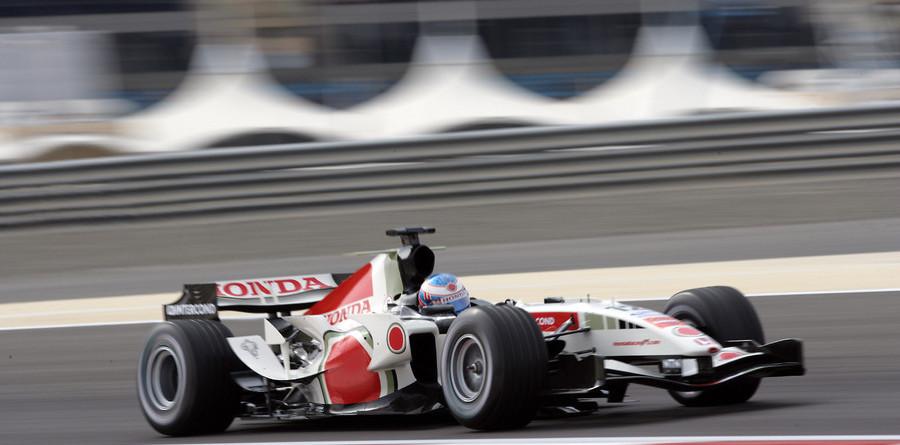 Button quickest in Bahrain GP final practice