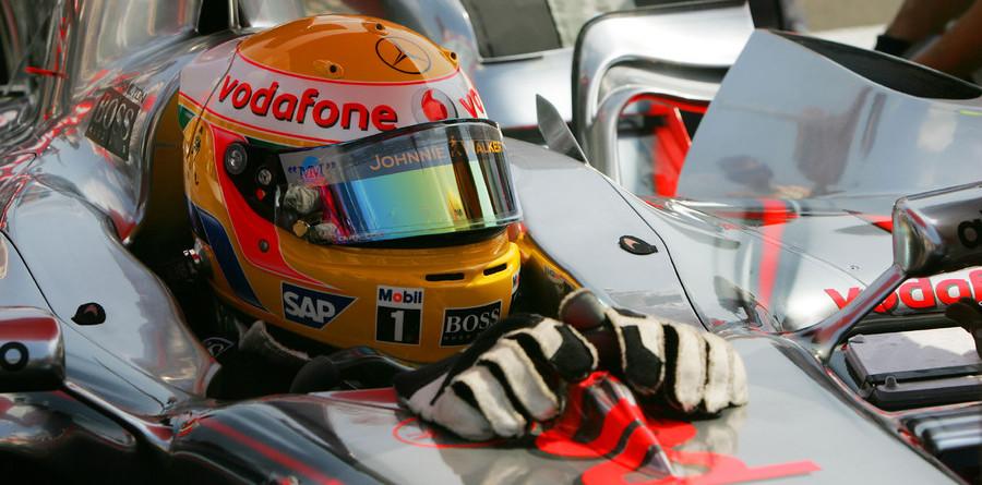 Hamilton top in Turkish GP second practice