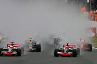 Hamilton earns historic victory in British GP