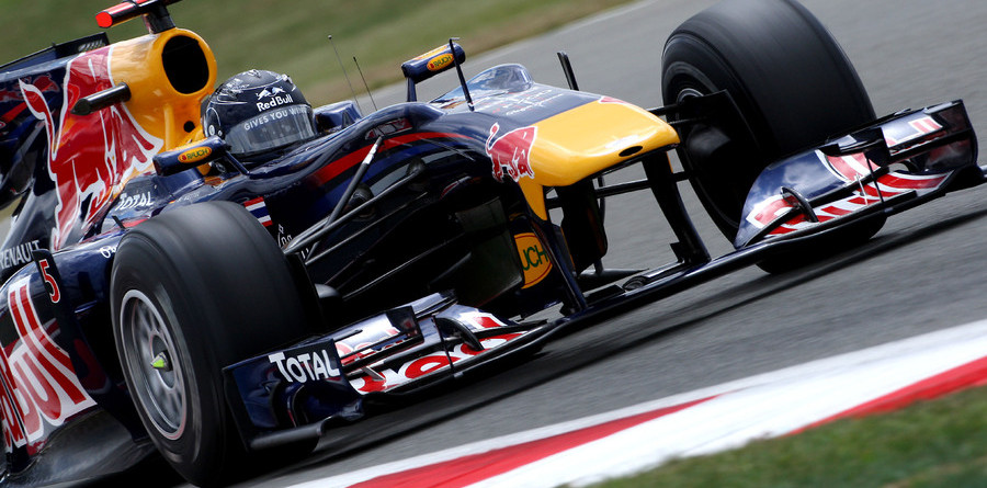Vettel leads a Red Bull front row at Silverstone