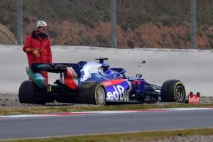 Zu langsam gefahren: Albons kurioser Dreher in der ersten Formel-1-Runde