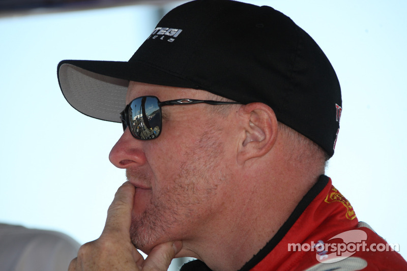 Dreyer & Reinbold Racing signs Tracy for Indy 500