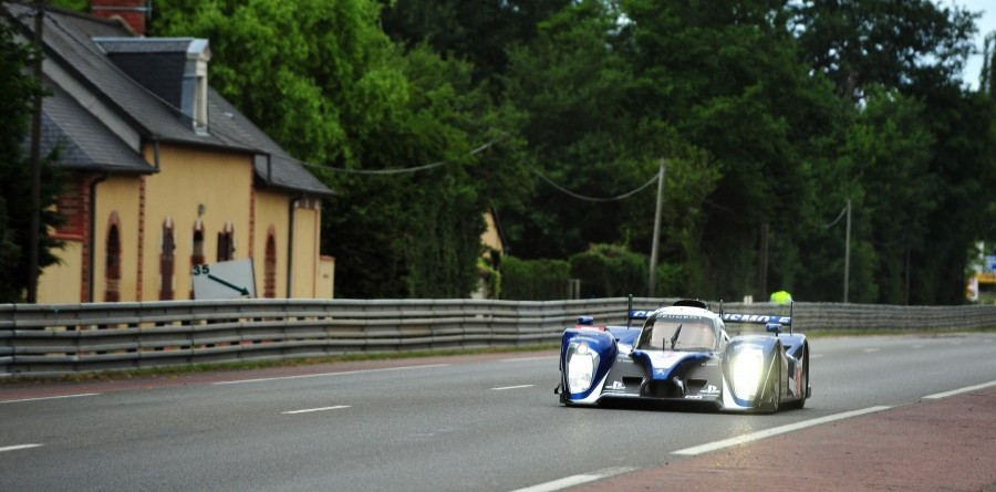 Peugeot Le Mans Hour 15 Report