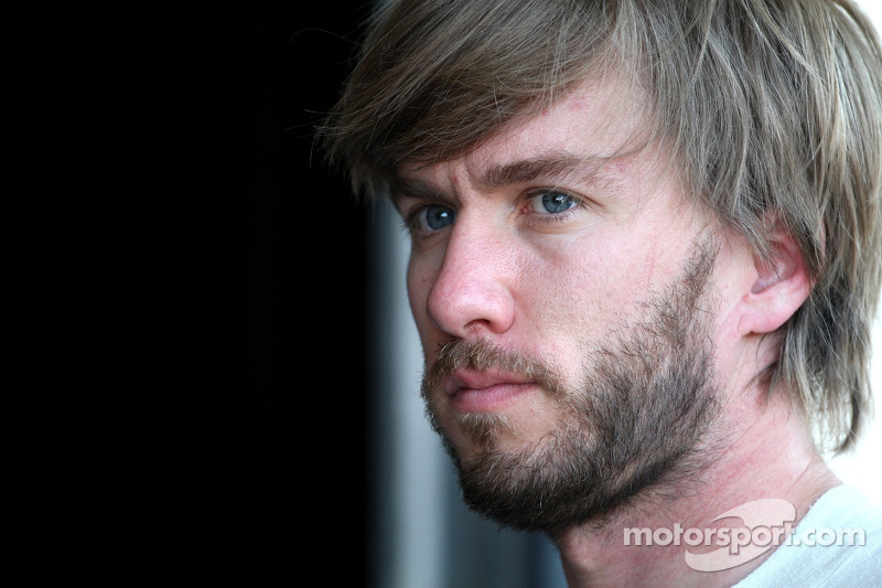 Heidfeld doubts Vettel to secure title in Singapore