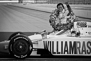 IndyCar Dan Wheldon dies from crash at Las Vegas Motor Speedway