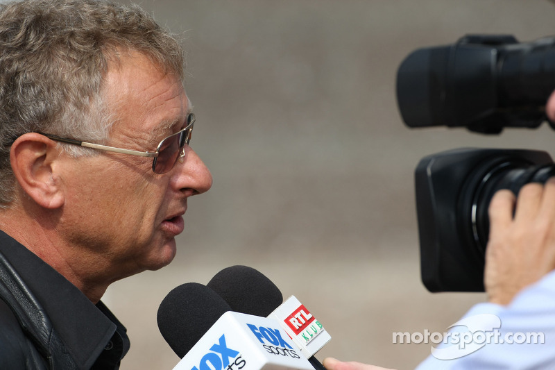 TV commentators want windows for 2012 India GP