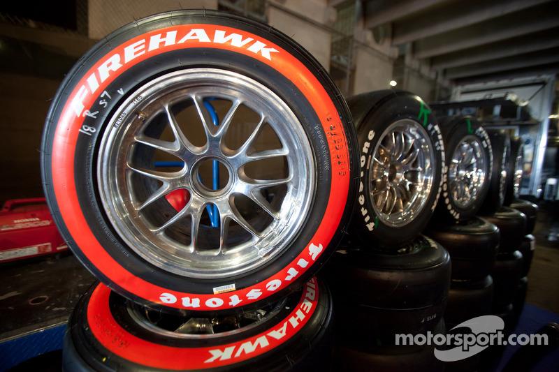 Firestone Racing extends tire supply agreement