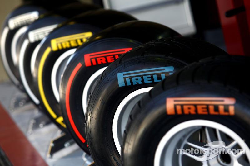 Hembery explains 'blank' Pirelli tyres in Spain