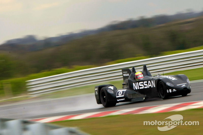 Nissan DeltaWing kicks off Euro testing with wet test