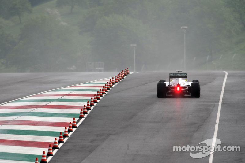 Rain hampers first in-season testing day at Mugello