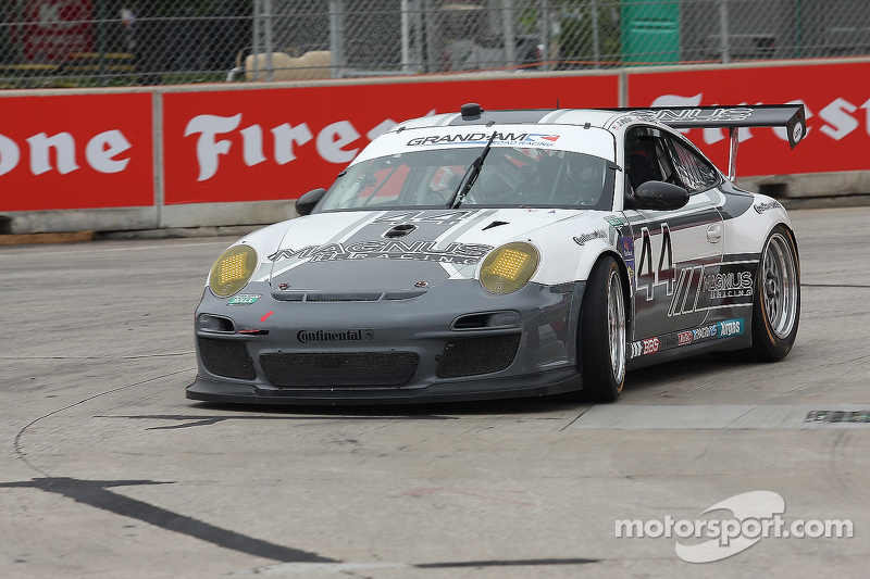 Tough street course, early-race incidents push  Porsches out of top five in Detroit
