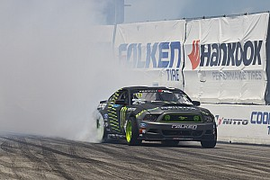 Formula Drift Gittin Jr. working his way up in the points at Formula Drift round 3 at Palm Beach
