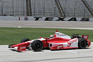 IndyCar Justin Wilson earns maiden oval victory in Texas