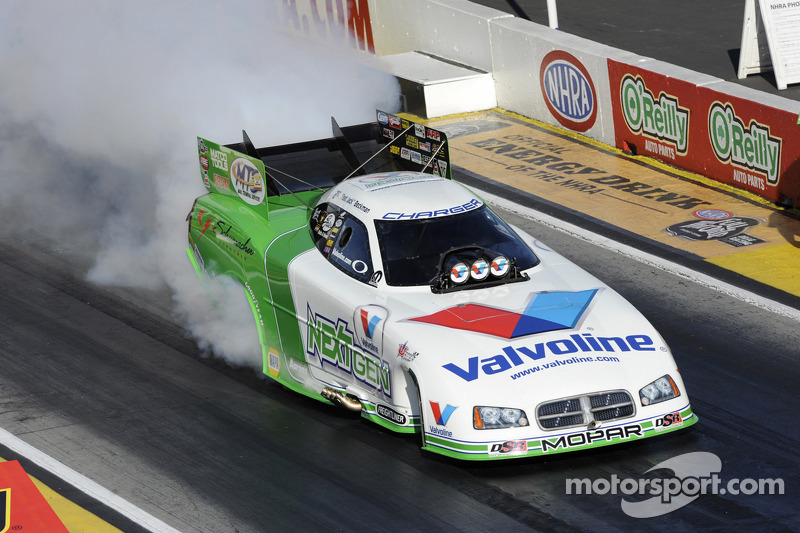 Todd Smith makes mass swap work for Jack Beckman Funny Car team