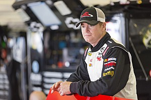 NASCAR Truck Preview Peters's Red Horse hoping to clear Bristol unscathed