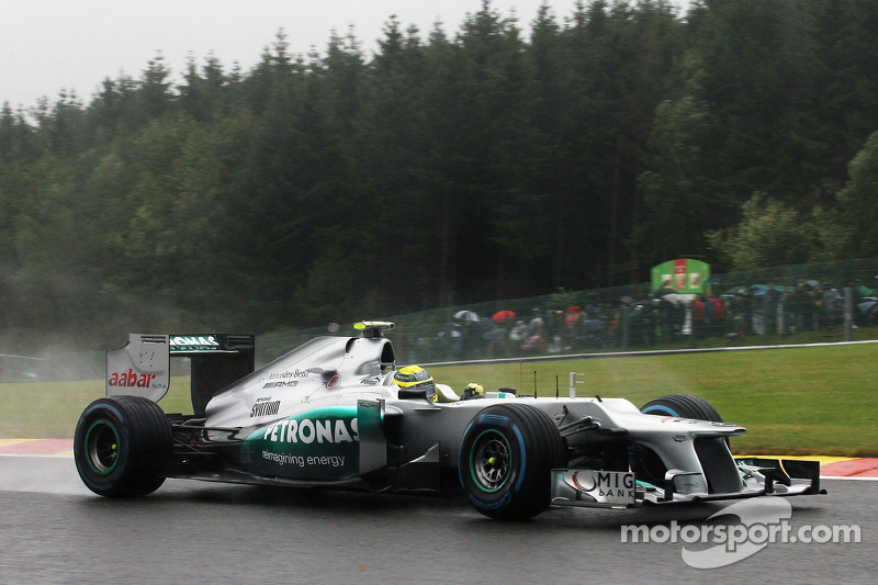 Mercedes runs 'triple DRS' at Spa - report