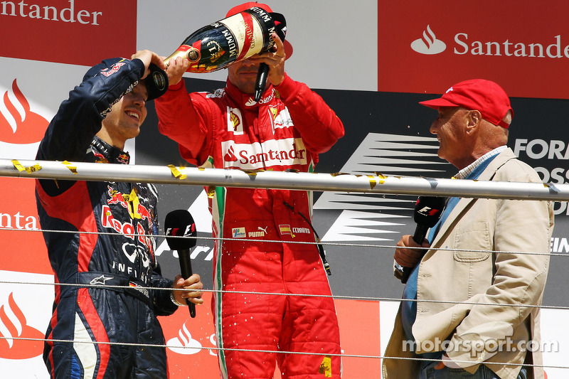 Lauda - triple title feat now unlikely for Vettel