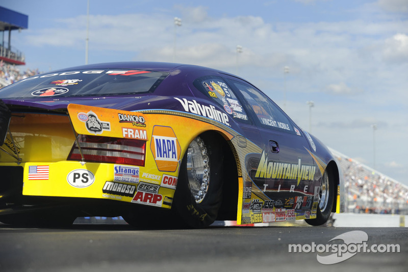 Nobile takes first pole, makes semifinals at Charlotte