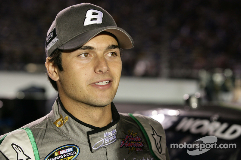 Piquet wins in Las Vegas with last lap pass