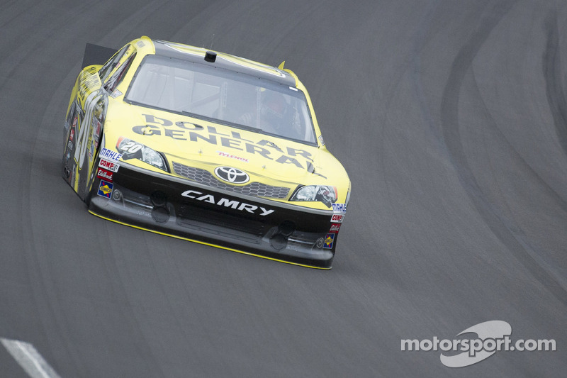 Ill-handling car results in tough finish for Logano at Kansas