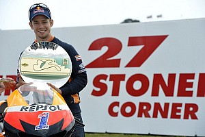MotoGP Qualifying report Stoner back to flying form taking pole position at Philip Island