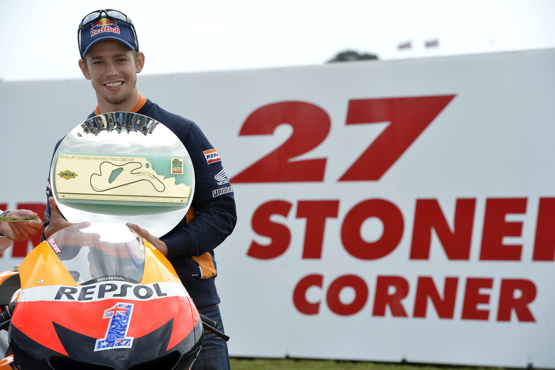 Stoner back to flying form taking pole position at Philip Island