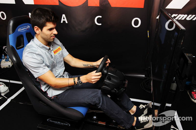Alguersuari offers 'notebook of secrets' to 2013 team
