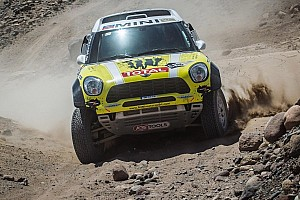 Dakar Stage report Minis attack on 5th stage while Yamaha lands the Bike victory