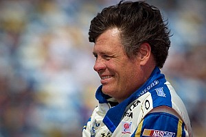NASCAR Cup Breaking news Michael Waltrip to drive for Swan Racing in the Daytona 500