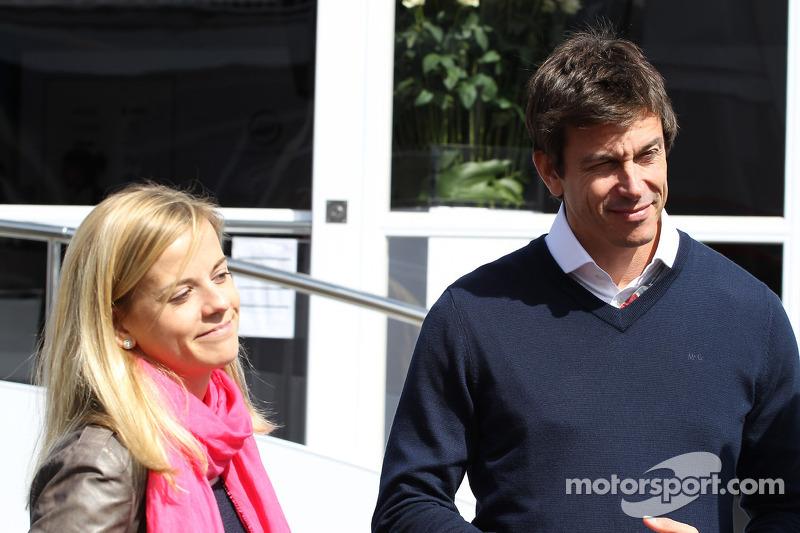 Williams' Wolff to succeed Haug at Mercedes - Rumor