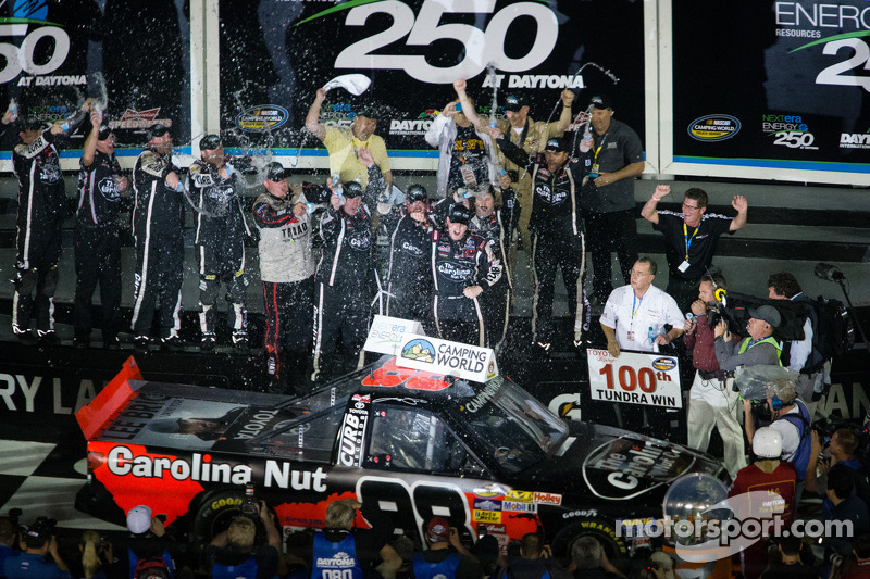 Sauter kicks off 2013 with Daytona win