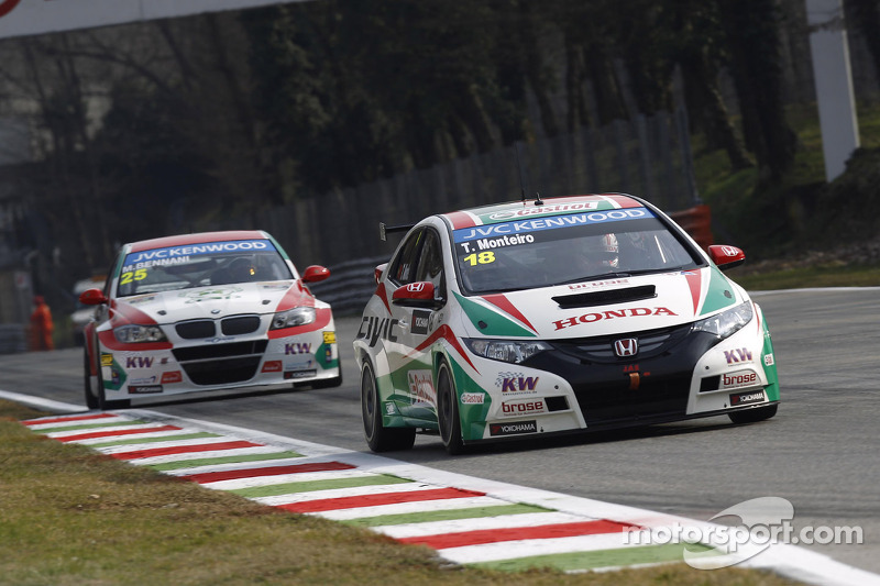 Tiago Monteiro is top 5 in Monza