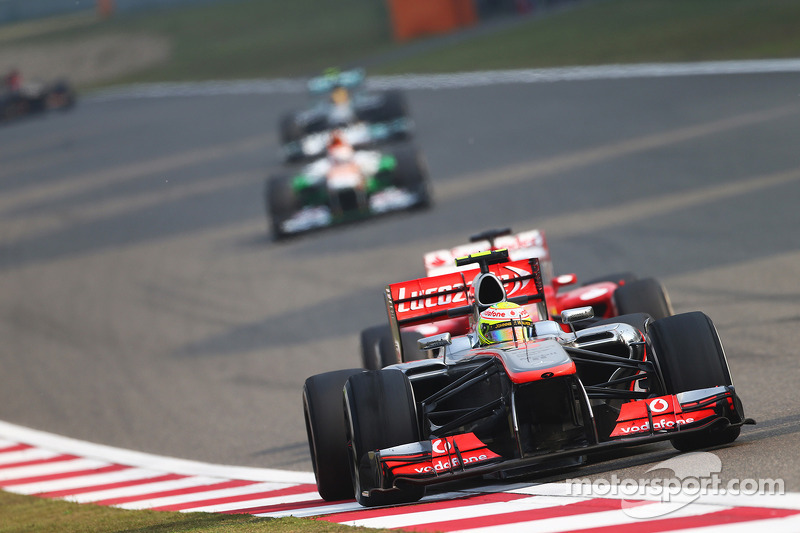 F1 tyre situation 'painful' - Whitmarsh