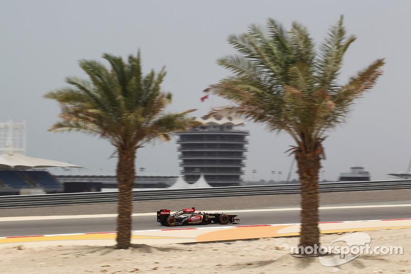 Raikkonen sets Friday practice pace in Bahrain