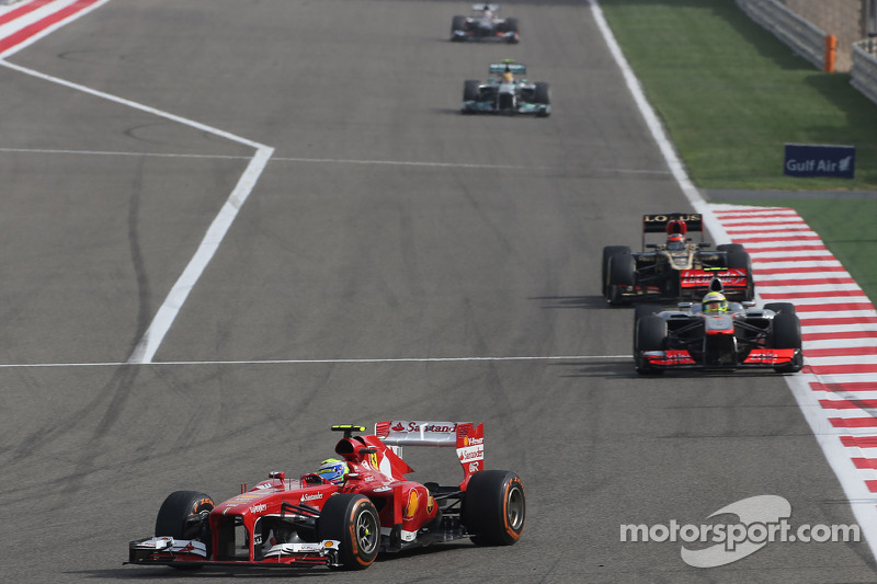 Failing tyres 'too much' says Massa