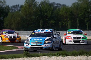 WTCC Race report Second Independents win of 2013 for MacDowall in Slovakia