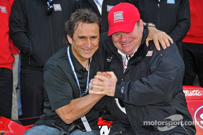 Ganassi presents special gift to Zanardi at Indianapolis Motor Speedway