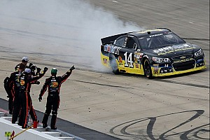 NASCAR Cup Race report Stewart gets his first win of 2013 in the Dover 400