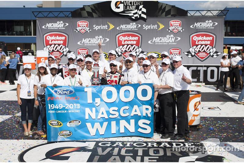Celebrating Ford's 1,000th win