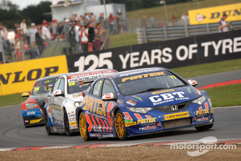 Jordan moves to championship summit after double victory at Rockingham