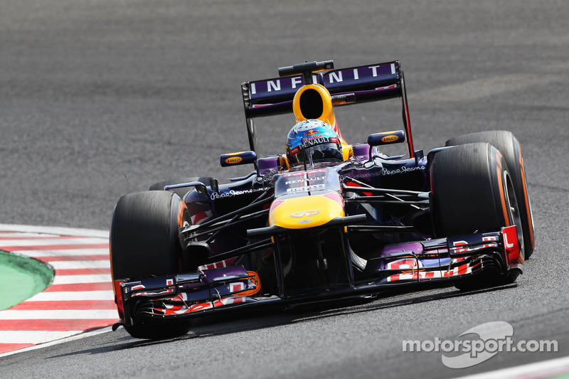 Webber gets the pole and Vettel locks out the front row for Red Bull Racing at Japan