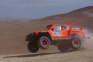 Dakar Stage report Robby Gordon suffers fuel issue