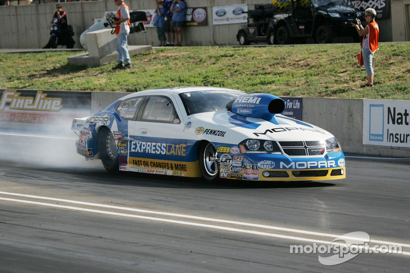 Johnson Runs to Provisional Pole at Pomona
