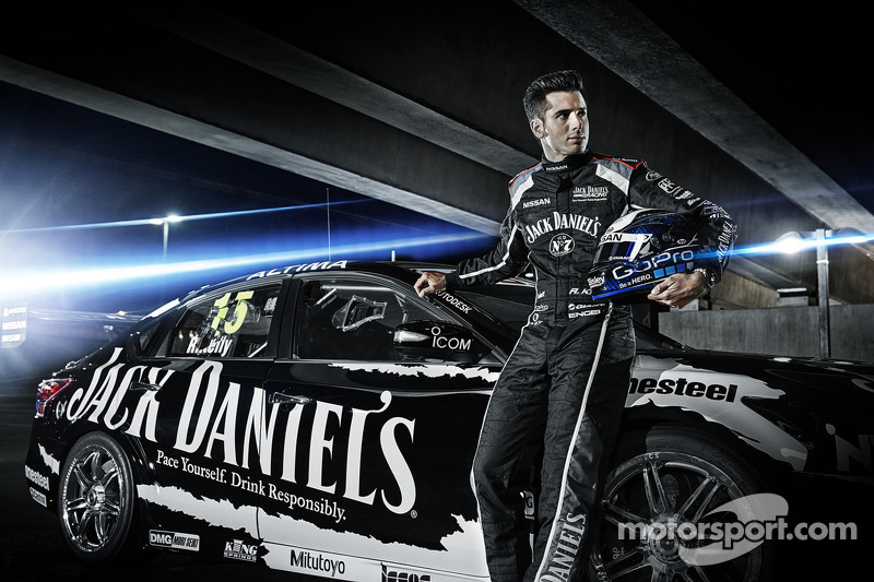 Nissan V8 Supercars show pace ahead of 2014 season opener - video
