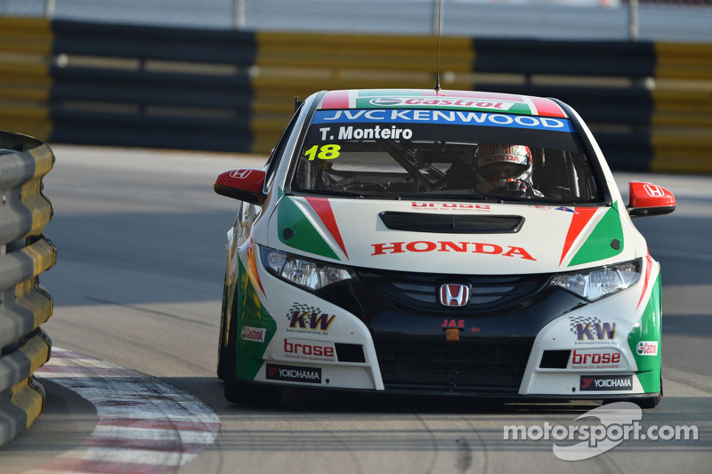 Tiago Monteiro awarded 'Driver of the Year' by Auto Hoje