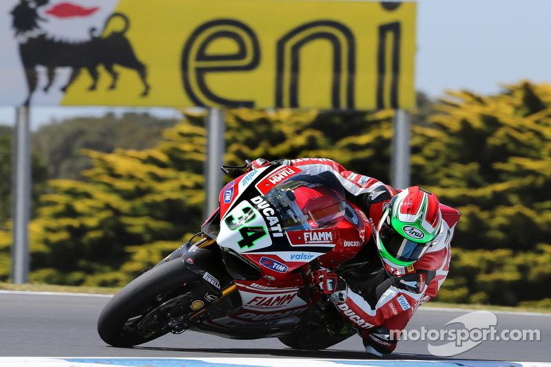 Giugliano and the Ducati Superbike Team conclude today's practice in overall third place