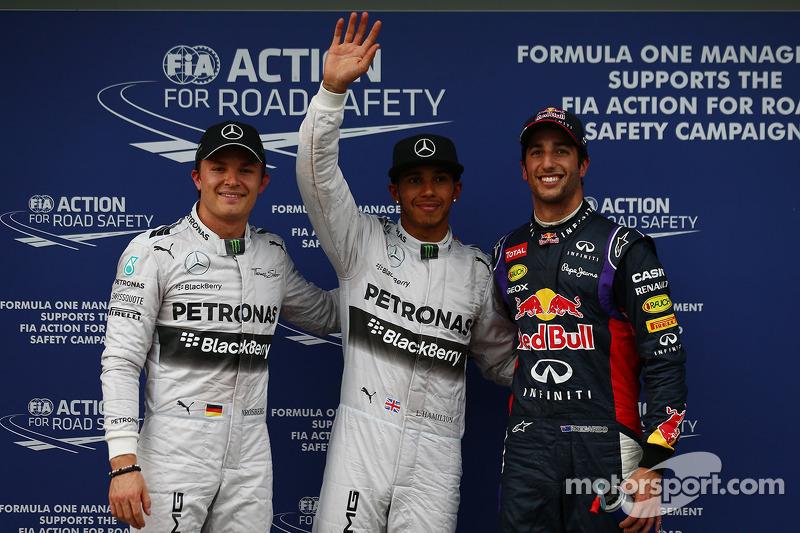 Hamilton lands pole, Ricciardo second in Melbourne