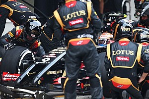 Formula 1 Race report Frustrating day in China for Lotus' Grosjean