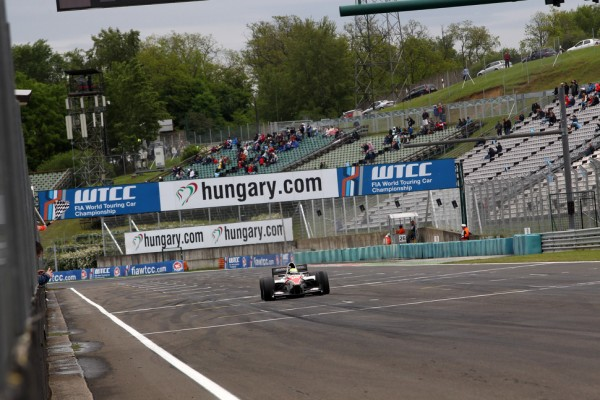 Auto GP Budapest, race-2: Kimiya Sato completes week-end sweep