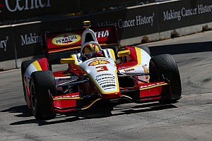 IndyCar Preview Castroneves looking to redeem himself in Houston